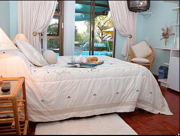 Cape Country Cottage - bedroom