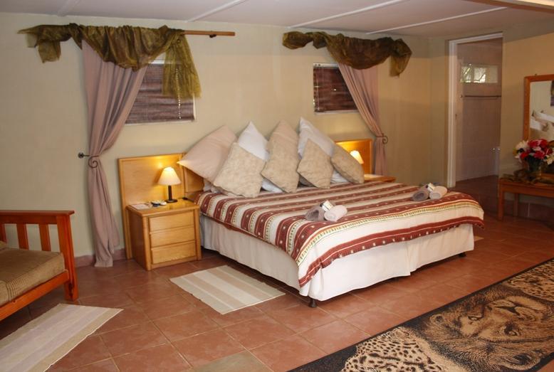 Jock-Sabie Lodge - bedroom