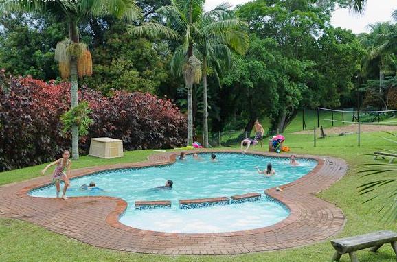 Paradise Holiday Resort - swimming pool