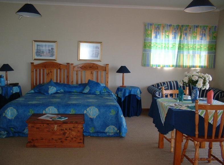 Spinning Reel - bedroom