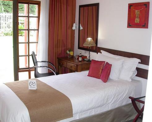 Touraco Guest House - bedroom