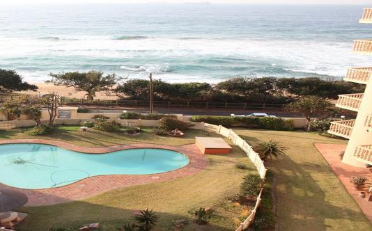 No 9 Umdloti - swimming pool