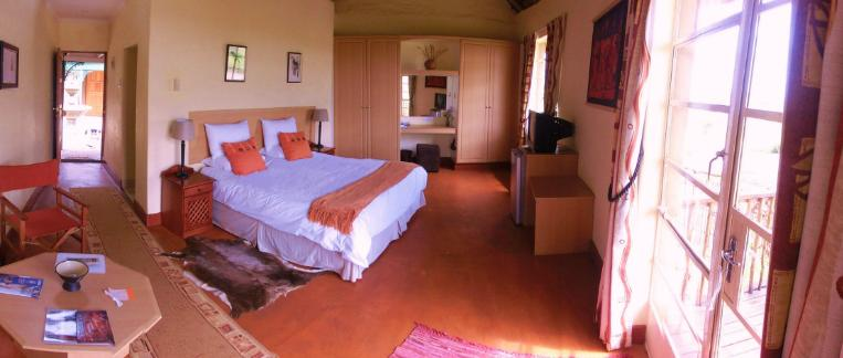 Rorke's Drift Hotel - bedroom