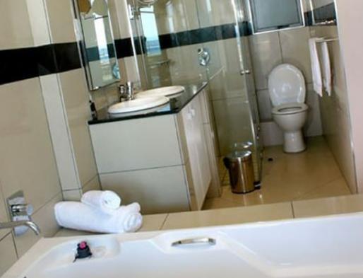The Quays - bathroom