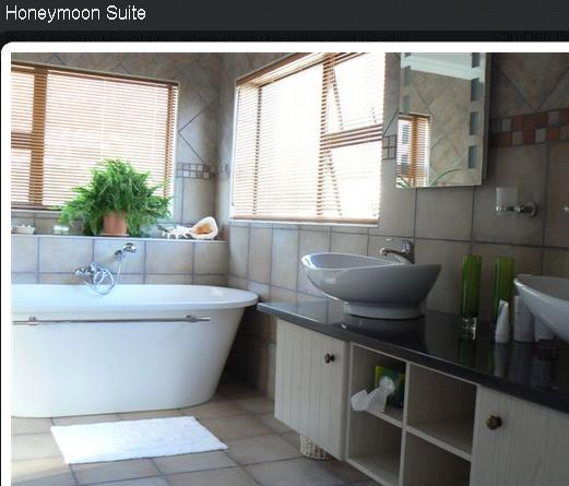 Ven Den Bergs Guesthouse - honeymoon suite