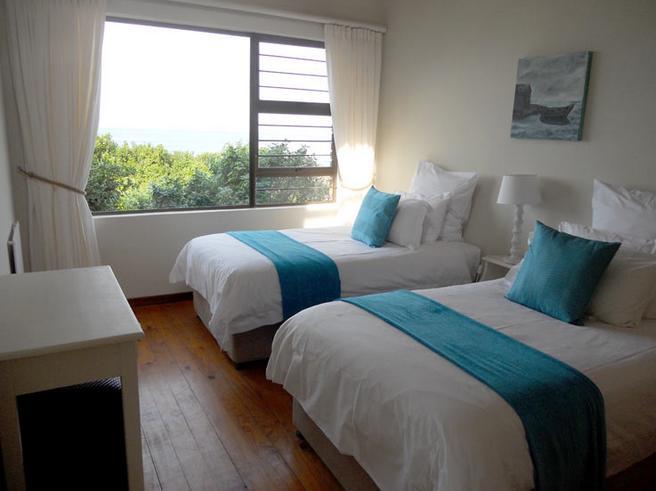 Arch Rock - bedroom