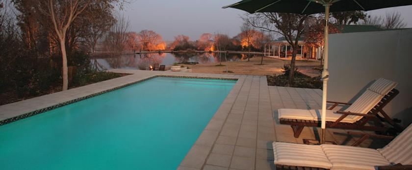 Oxbow Country Estate - pool