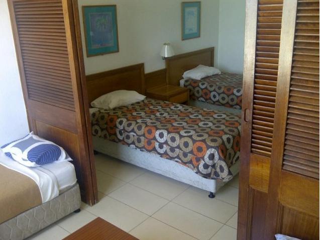 Seaboard Hotel - bedroom