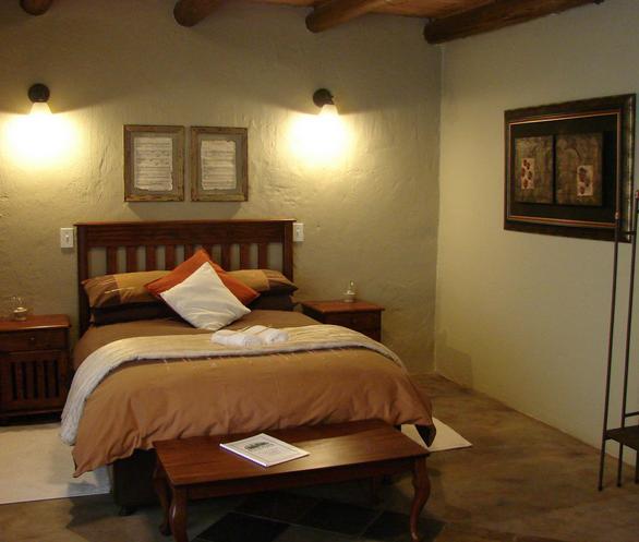 Four Flies   bedroom. Four Flies Nature Farm    Travel SA