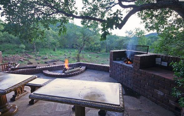 Kanya Lodge - braai facilities