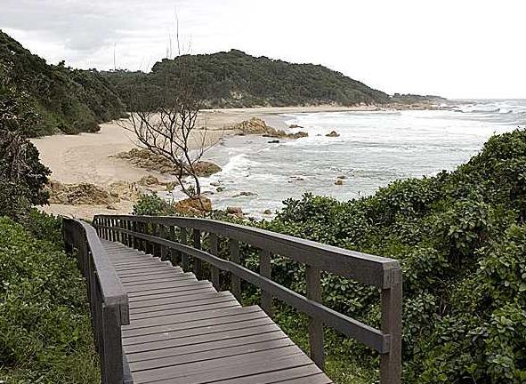Plumbago - steps onto beach