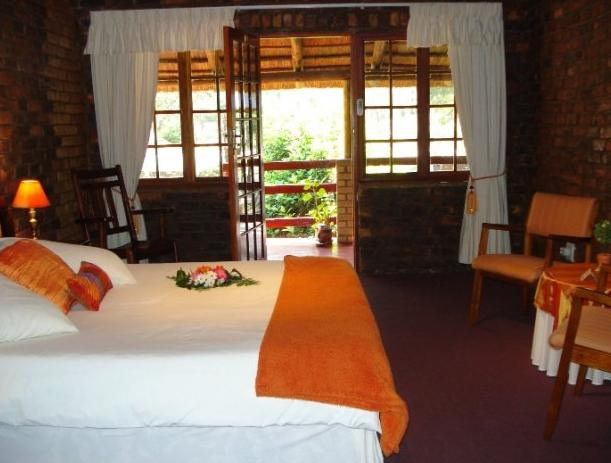 Storms River Guest Lodge - bedroom