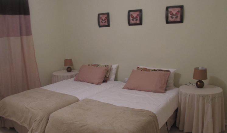 Emfuleni Country House - bedroom