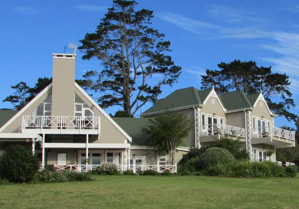 Hilltop Country Lodge - actual lodge
