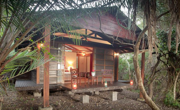 Makakatana Bay Lodge - main