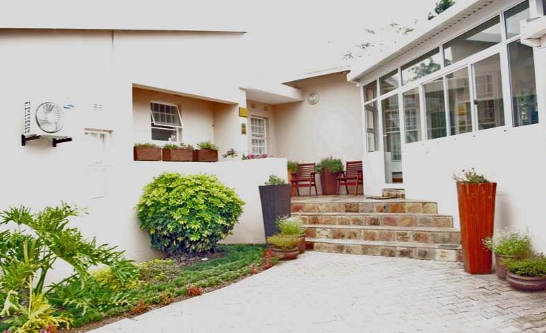 Nthatuoa Guest House - main