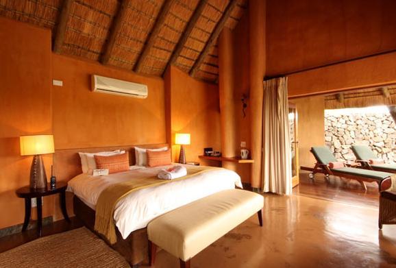 Rhulani Safari Lodge - bedroom