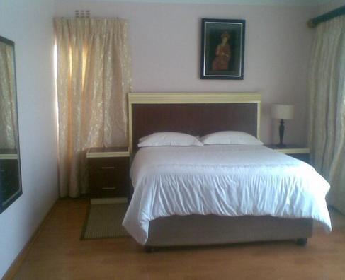 Sikumbule Nathi Guest House - bedroom