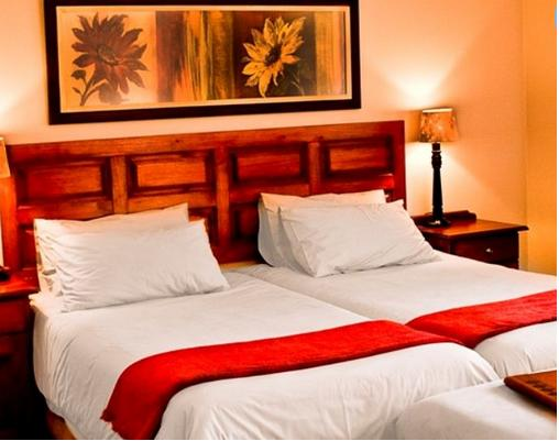 Tzaneen Country Lodge - bedroom 1