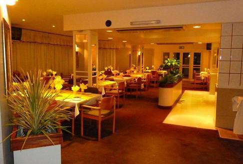 Wayside Budget Hotel - dining