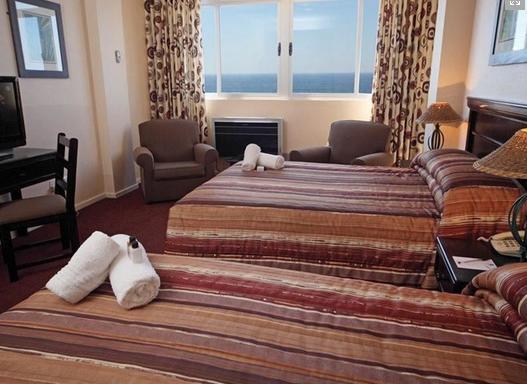 Tropicana Hotel - bedroom