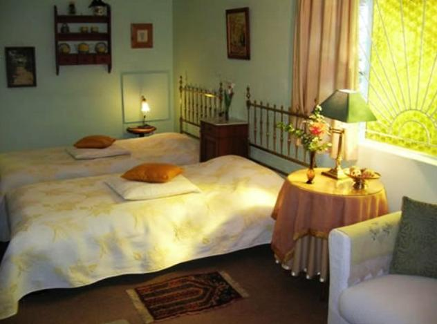 A La Fugue Guest House - bedroom