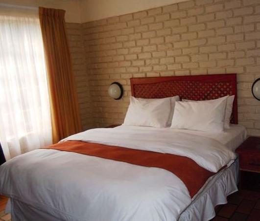 Bakgatla Resort - bedroom