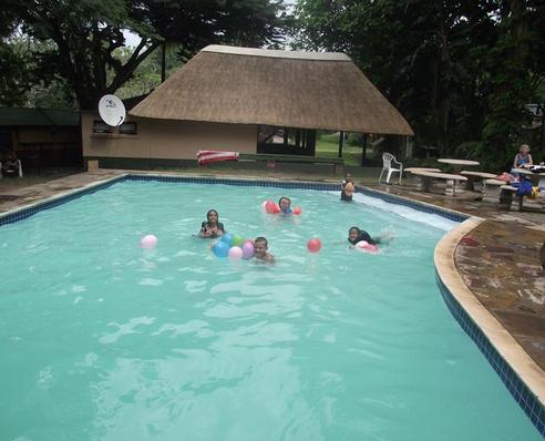 Marlon Park - pool