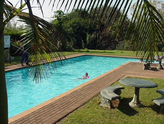Pennington Beach Resort - pool