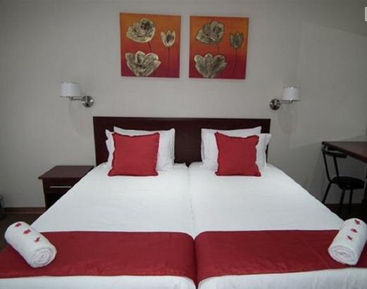 Rio Vista Lodge - bedroom