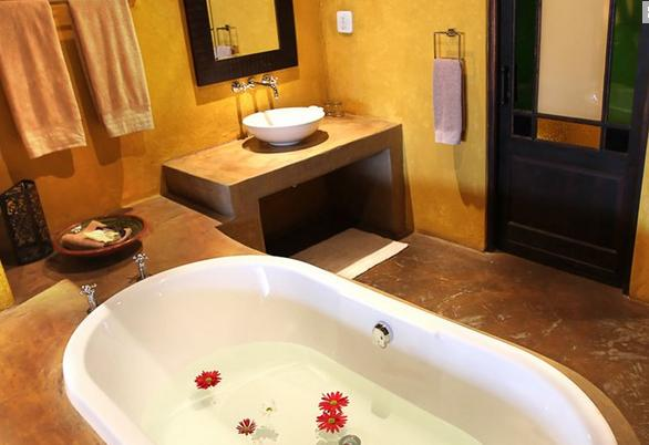 Riverstone Lodge - bathroom