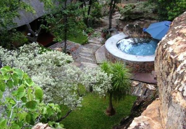 Balerno Bush Lodge - pool