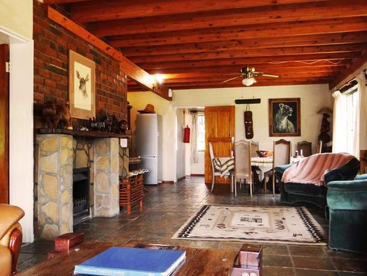 Mamagalie Guest Lodge - interior