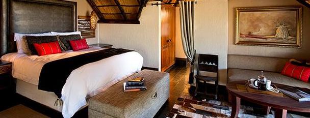 Tshukudu Bush Lodge - bedroom