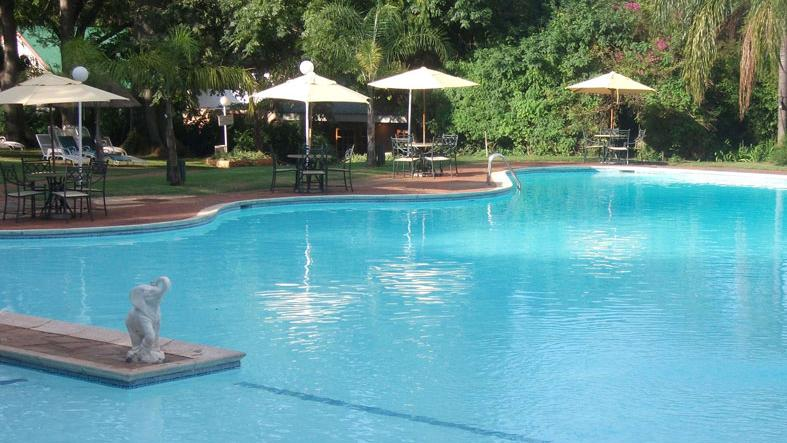 Hunters Rest - pool