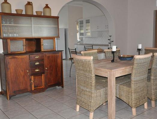 De Gunst Guest Farm - dining room