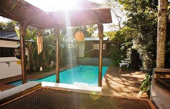 H20 Self Catering - pool