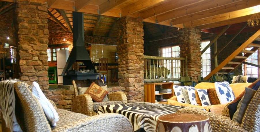 Mountain Mala - lounge