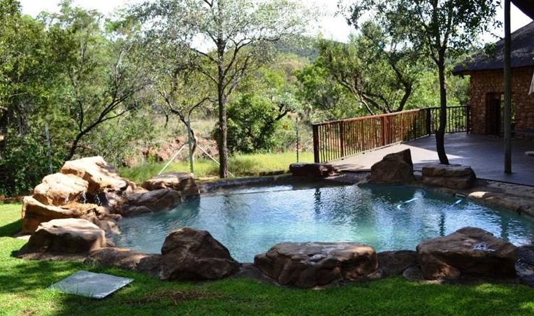 Mountain Mala - pool