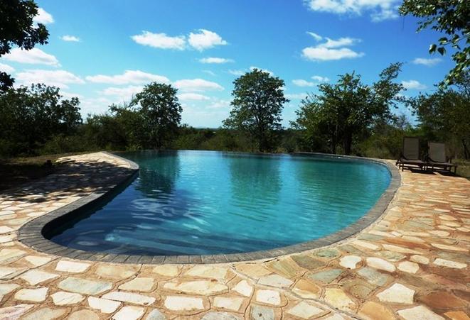 Silonque Bush Lodge - pool