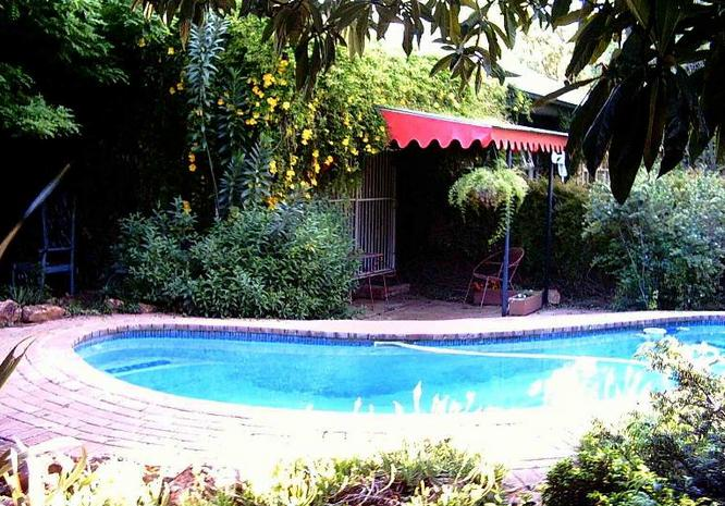 Cosy Cottage Guest House - pool