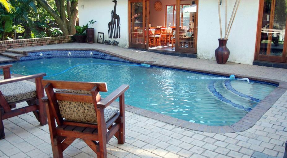Kempton Park overnight - pool