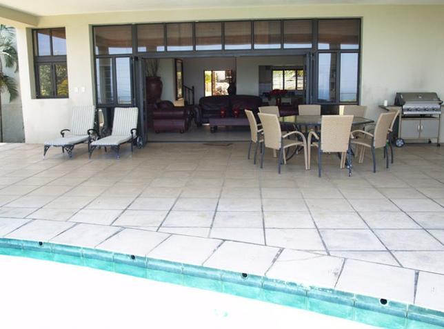 Ce La View - patio