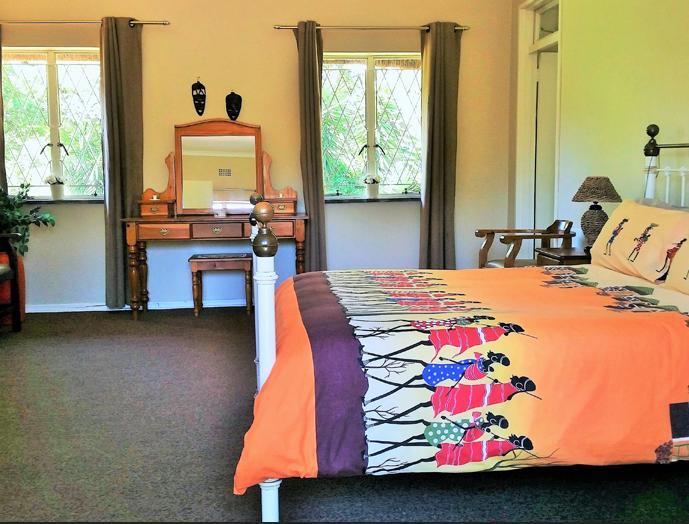 Pine Tree Lodge - bedroom