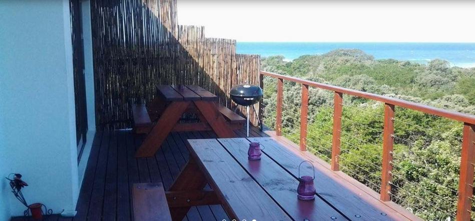 Cove B&B - patio