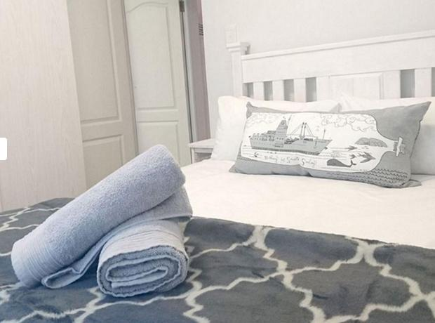 Pearly Dunes - bedroom