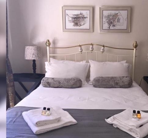 Paul Jungnickel Guesthouse - bedroom