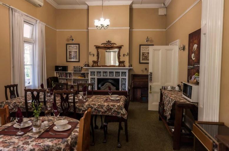 Paul Jungnickel - dining room