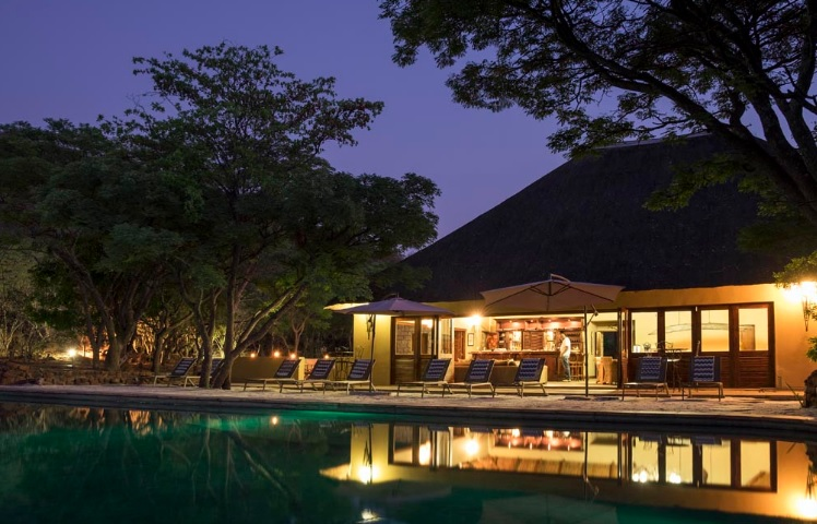 iZapa Lodge - main