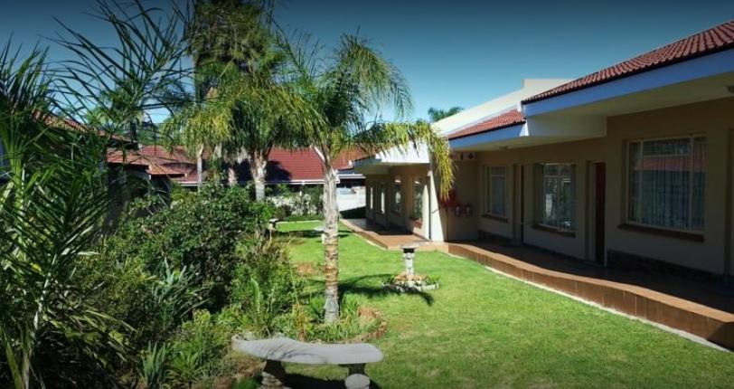 Pietersburg Lodge - gardens